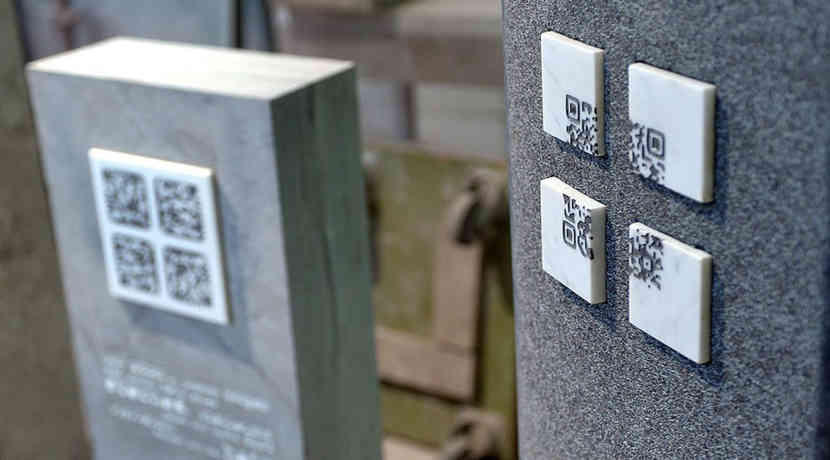 QR-Codes am Grabstein